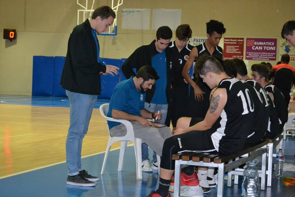 Álex Requeni completa el staff de la Summer League ZR